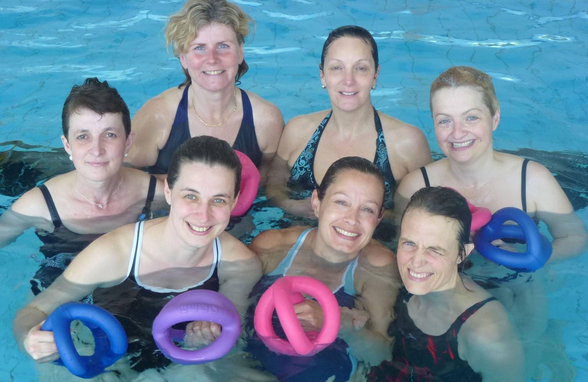 Erwachsenen Schwimmgruppe